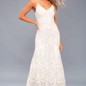 Lulus Lace Maxi/Wedding Dress